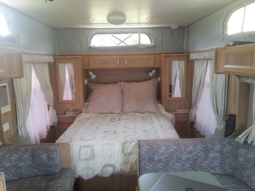 Caravan Island Bed
